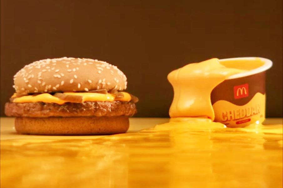 【麥當勞美食】外國麥當勞推出超吸引美食 100g超濃郁車打芝士醬!