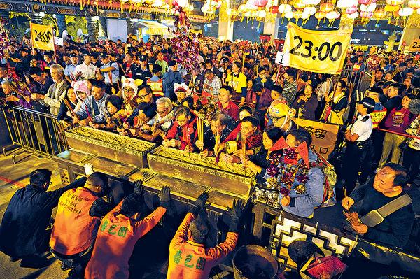 黃大仙頭炷香車公誕暫如常 疫情影響 農曆年節慶傳變陣