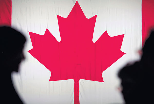 獲加拿大批難民資格 14港人正申永居