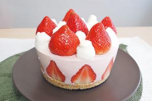 【免焗芝士蛋糕】情人節蛋糕食譜!4步整出打卡免焗甜品  士多啤梨芝士蛋糕食譜