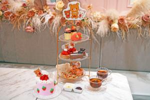 【中環Cafe 2021】中環打卡蛋糕店「Vive Cake Boutique」聯乘輕鬆小熊 鬆弛熊草莓下午茶甜品/朱古力戚風蛋糕