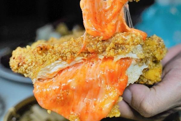【台灣掃街】台灣人氣酥炸小食專門店 熱賣爆漿明太子芝士雞扒!