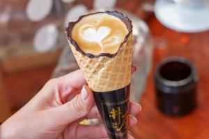 【澳門美食2021】食得嘅咖啡杯! 澳門甜筒咖啡一杯有齊咖啡+朱古力+窩夫脆杯!