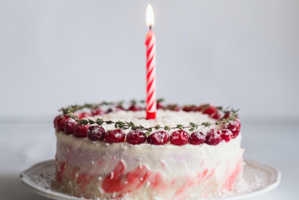 【初七人日】生日蛋糕、吹蠟燭習俗從何來?盤點世界各地生日傳統美食