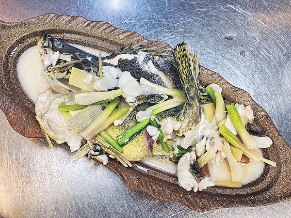 牛兆豐年#杏汁煮桂花魚