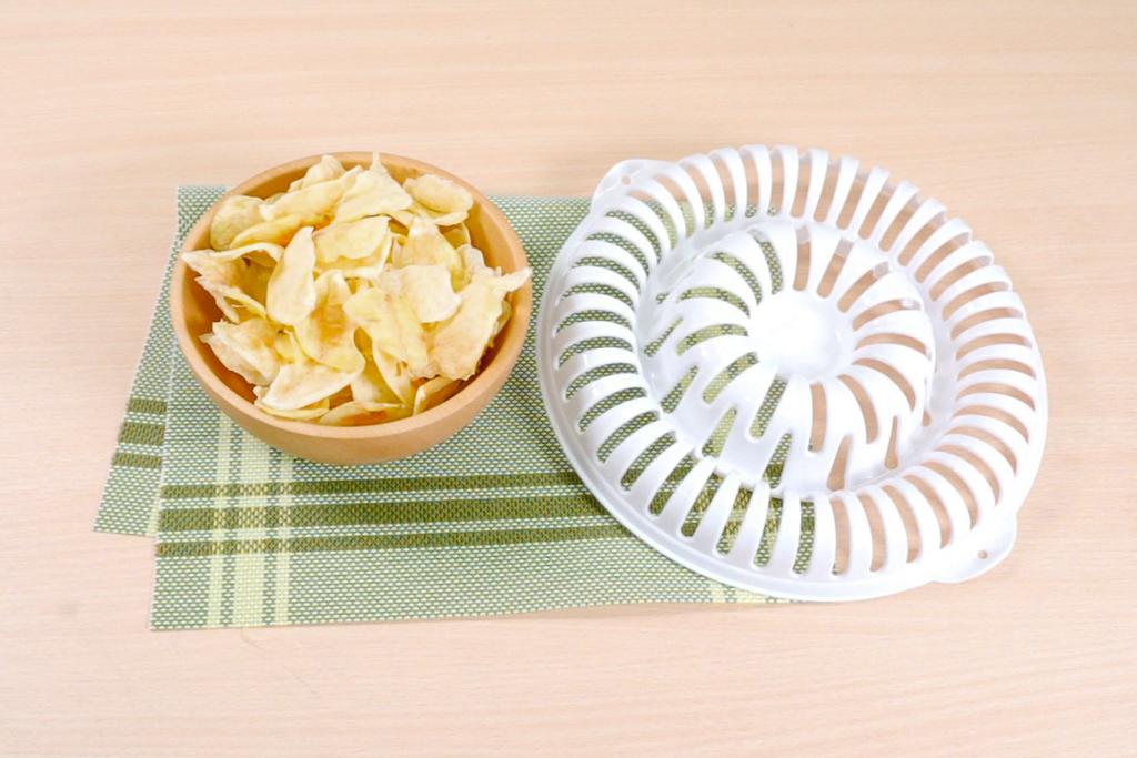 【$12店微波爐】少油健康好滋味!$12店微波爐環形薯片神器 10分鐘整到脆卜卜新鮮薯片