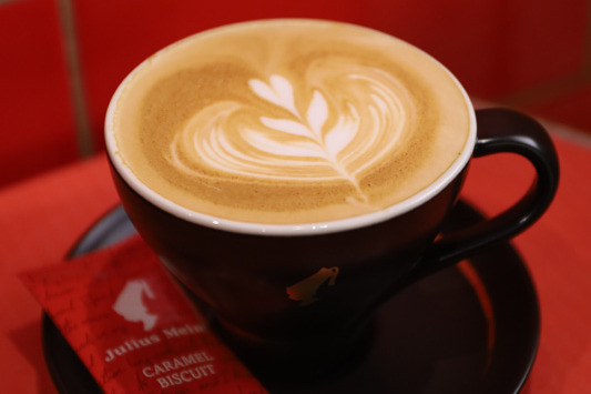 【中環美食】維也納百年咖啡店  鎮店銅製咖啡機