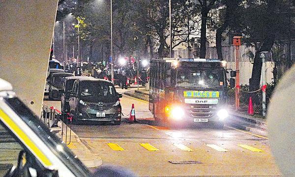 15人獲批保釋 控方即提覆核 47泛民全續還押