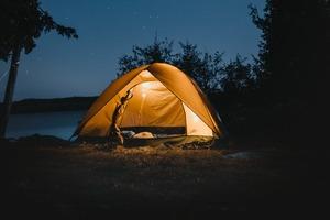 【露營用品】港女帶電熱水煲去露營  男友聽到一句說話反白眼嘲無知冇得救!