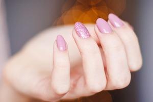 【指甲健康】指甲容易斷裂代表缺乏這些營養素! 細數5種營養素養出健康不易斷指甲