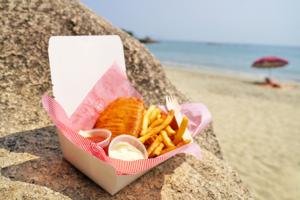 【大嶼山美食】大嶼山異國度假風沙灘海景餐廳 吹住海風食海鮮/無敵黃昏日落景