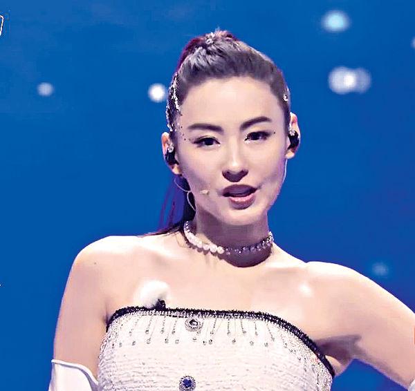 慰問容祖兒頸部針灸 張栢芝反被網民呼籲「唔好唱歌」