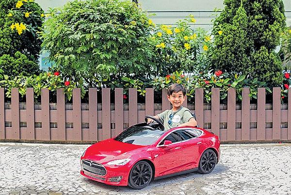 利園區復活節暢玩兒童電動車 新港城中心購物換戲院現金券