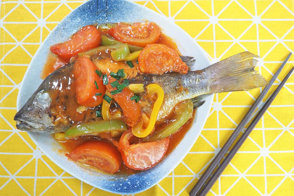 【晚餐食譜】3步新手簡易晚餐食譜  香煎酸甜番茄石蚌魚