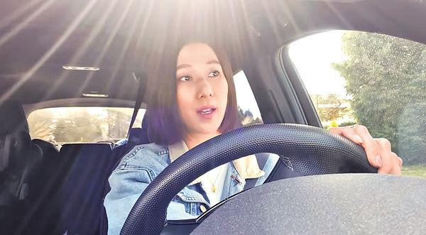 鍾嘉欣自爆駕車拍劇險撞攝影師