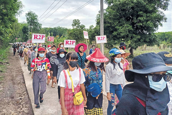 保安隊疑用火箭榴彈迫擊炮 緬甸上周五鎮壓82人亡