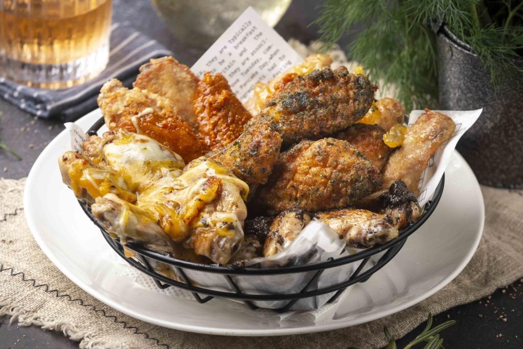 【雞翼放題】旺角露天酒吧Upper Bar & Restaurant推出雞翼放題!$149任食6款雞翼/黑松露薯條/4款甜品