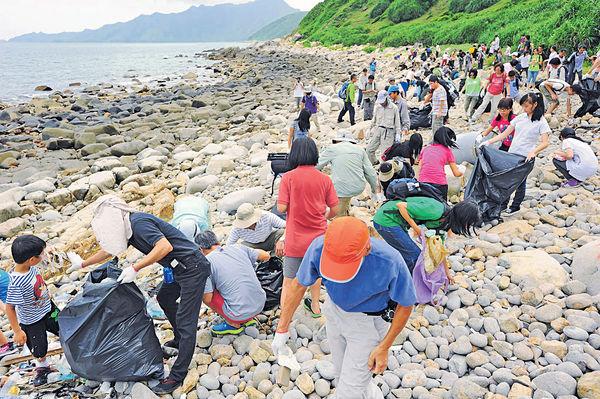 海洋垃圾 膠袋膠樽佔逾4成 環團10年收集9千公斤
