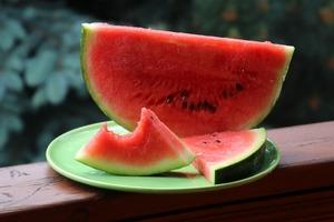 【消暑水果】西瓜竟然只排第5! 13款水果水份排行榜