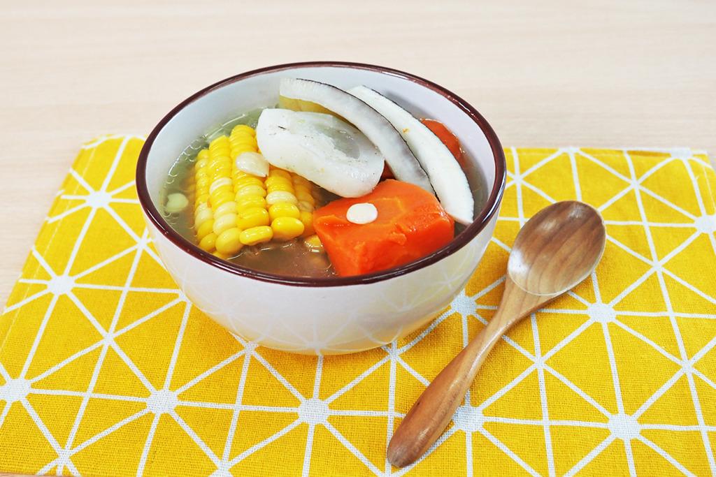【夏天湯水】消暑清熱+潤肺生津  青紅蘿蔔海底椰湯