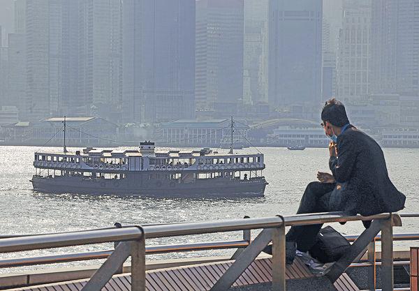 指港去年淨移出約4萬人 標普:或致人才流失
