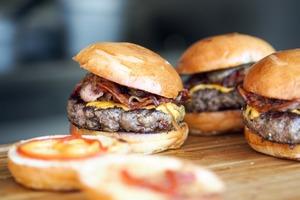 【日本減肥方法】拉麵漢堡包照吃也可以成功減肥? 日本醫生教你無痛減肥2招/3個月減22磅!