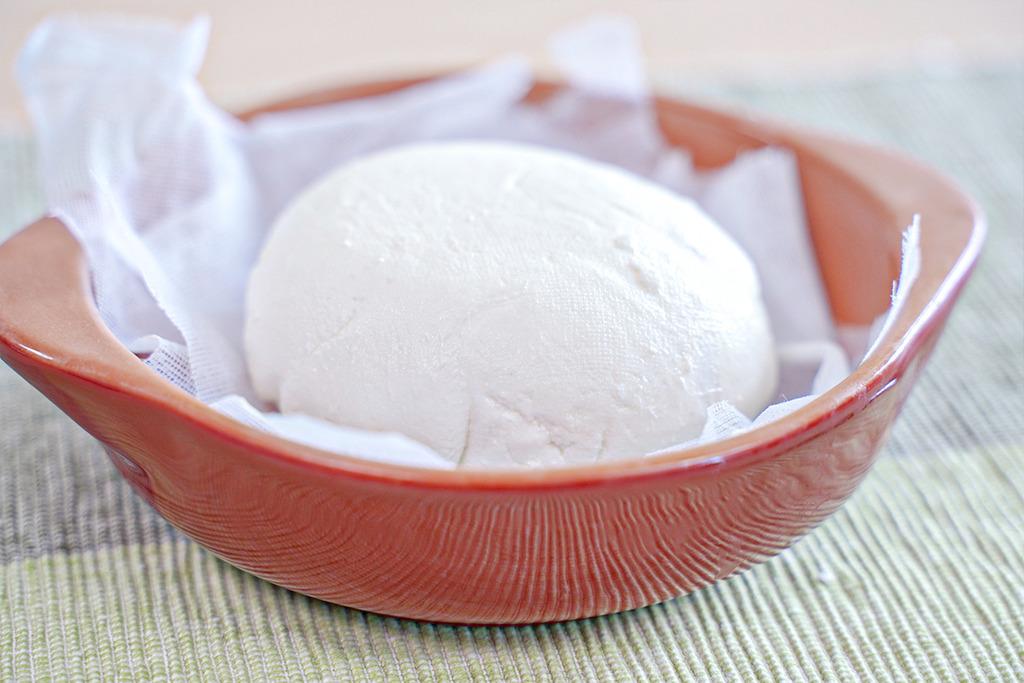 【自製芝士】 牛奶變芝士?零難度自家製茅屋芝士 煲湯袋的神奇另類用法!