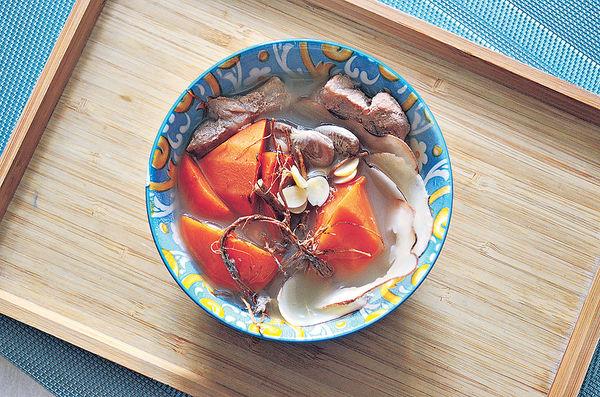 芒種湯水︰海底椰五指毛桃南北杏瘦肉湯
