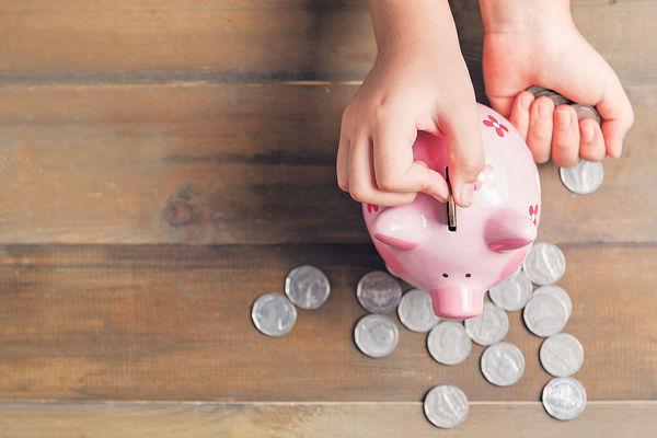理財故事創作比賽 奪獎三姊弟學懂一分耕耘一分收穫