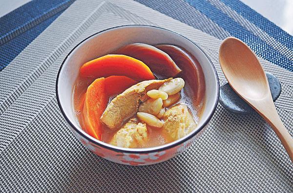 炎夏湯水:紅菜頭紅蘿蔔扁豆瘦肉湯