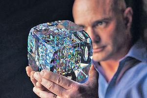 玻璃藝術家Jack Storms 設計獨一無二NFT聯乘收藏品