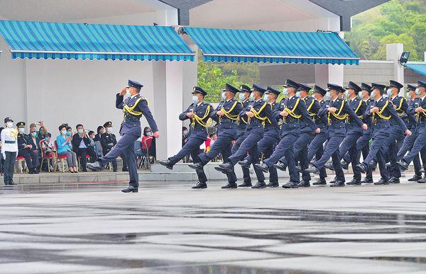 紀律部隊起薪增薪點 紀常會倡調高