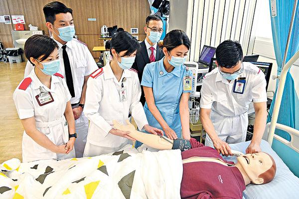 護校新推4年制 專業人士入讀增 空姐轉跑道盼當急症室護士