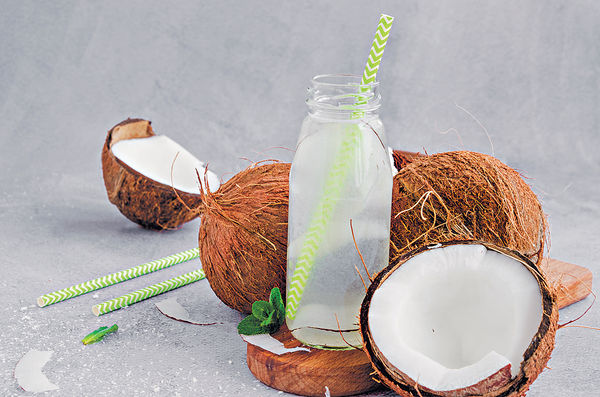 椰子水天然兼補水 但4類人不宜飲