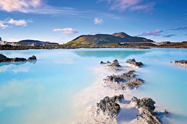 冰島絕色藍湖非天然美景