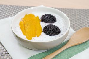 【西米露食譜】3步簡單還原超足料糖水  黑糯米椰汁西米露食譜