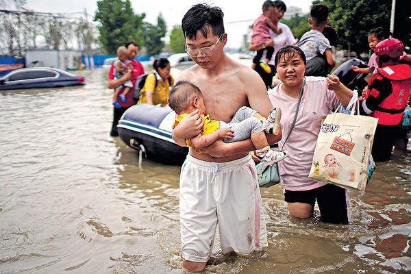 直接經濟損失逾14億 河南洪災增至33死 300萬人受災