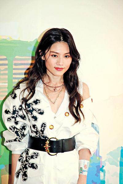 任新歌MV女主角 周秀娜大讚呂爵安有型