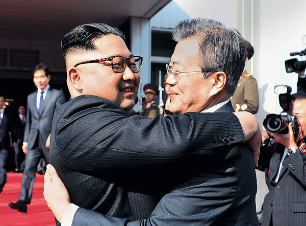 文在寅金正恩互致親筆函協商 南北韓重啟通訊渠道