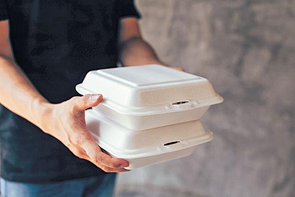 9類即棄膠餐具倡管制 議員憂成本增