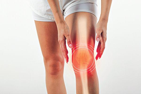 落樓梯膝蓋痛 膕肌受損3個保健重點
