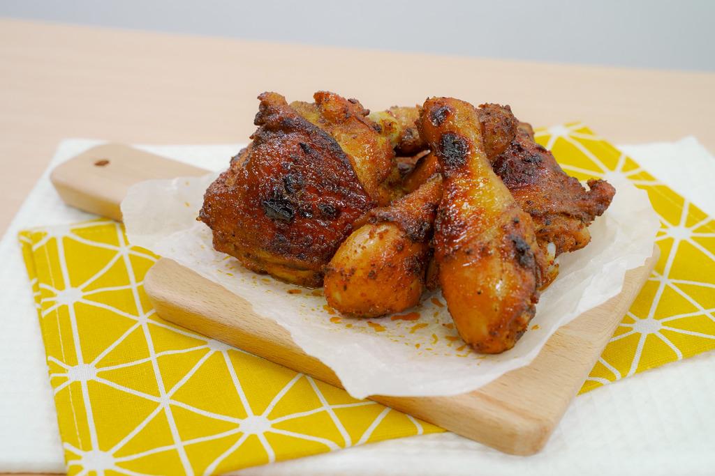 【焗爐食譜】KFC燒雞食譜2步還原!簡易蜜糖狂惹香燒雞做法 肉嫩多汁/氣炸鍋適用