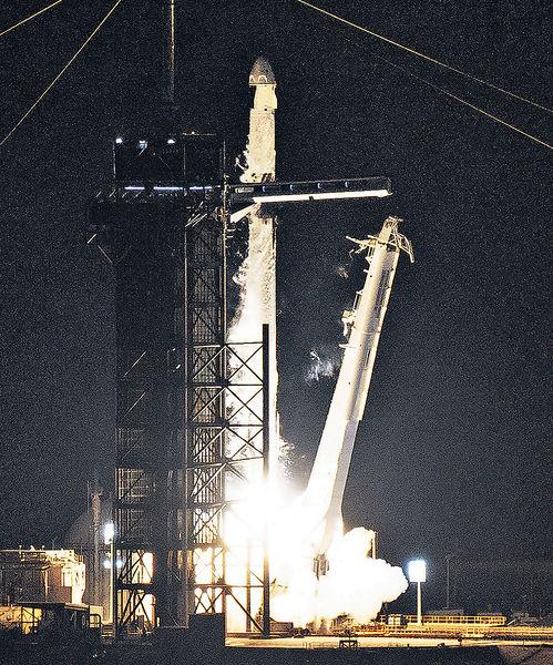 SpaceX送4人上軌道 首次全平民3日太空遊
