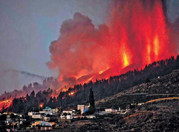 西班牙拉帕爾馬島火山爆發 熔岩噬民居 萬人疏散