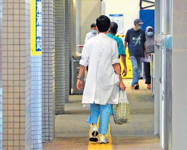 增設副顧問護師 冀建晉升階梯 醫管局出招留人 退休年齡延至65歲