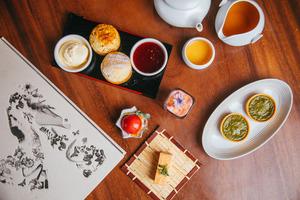 【尖沙咀下午茶】K11 MUSEA Artisan Lounge全新秋日下午茶 士多啤梨千層蛋糕/白桃慕絲/北海道芝士蛋糕/半熟宇治抹茶撻/焙茶鬆餅