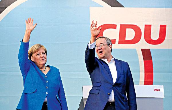 德大選或首現 三黨執政 默克爾為接班人拉票 民調指追貼社民黨